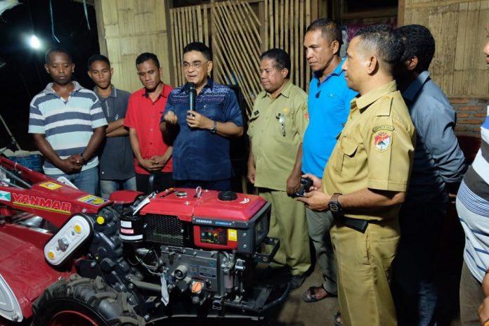 AHP Serahkan Alsintan kepada Petani Magepanda dan Mego