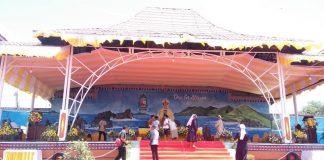 Panitia Penahbisan Uskup Finishing Altar Agung