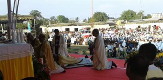 Ribuan Umat Saksikan Uskup Kherubim Tahbiskan Uskup Ewal