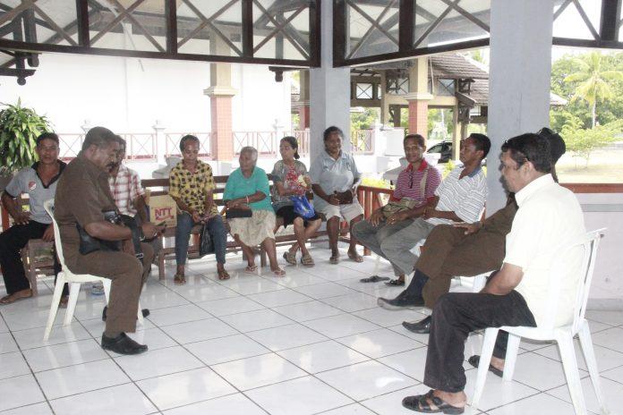 Tunjangan Belum Dibayar, Perangkat Desa Lela Datangi DPRD Sikka