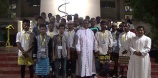 Remaja Masjid di Maumere Ikut Amankan Misa Malam Natal di Gereja Katolik
