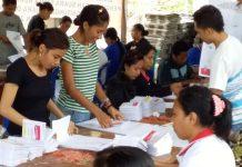 120 Relawan Sortir dan Lipat Surat Suara