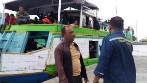 Muatan Melebihi Kapasitas, Puluhan Pemudik Terpaksa Pindah Kapal