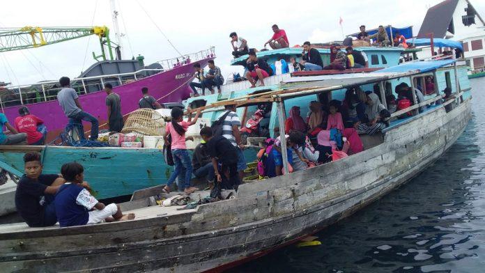 Kapal Ikan Difungsikan Layani Pemudik Kojadoi