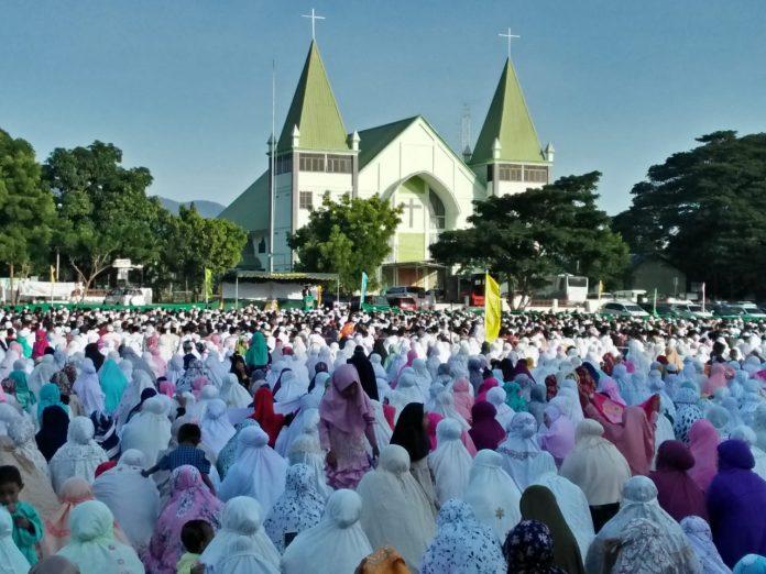 Robby Idong Ajak Umat Muslim Bangun Sikka
