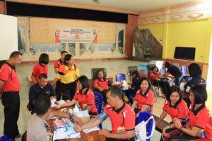 Kado HUT Bhayangkara, Polisi di Sikka Donor 78 Kantong Darah