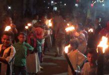 Umat Muslim Takbir Keliling Kampung Buton
