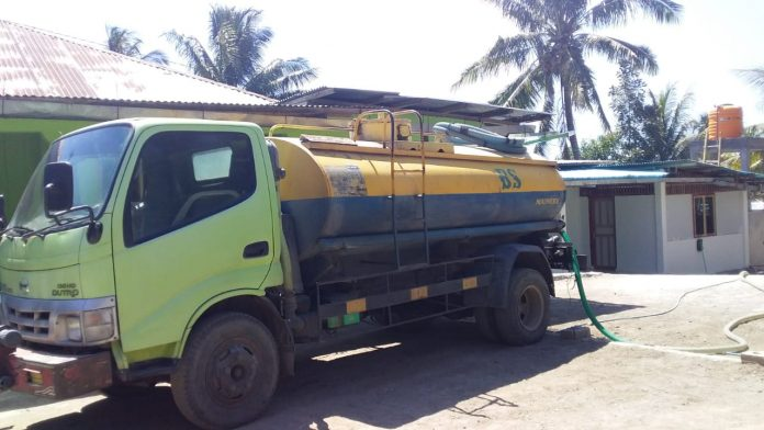Warga Nele Beli Air Bersih, Satu Tangki Rp 160 Ribu