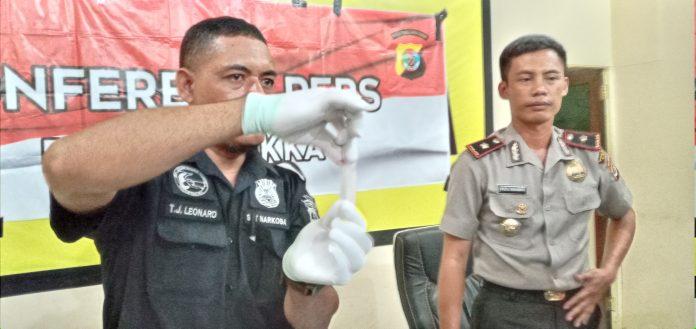 Penyidik Selidiki 71 Kantong Plastik Bening pada Dos Paket Sabu