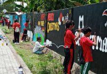 Aksi Mural Pelajar Spater Sambut Natal dan Tahun Baru