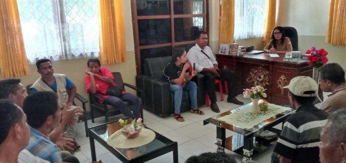 Jelang Pelantikan, Warga Protes Hasil Pilkades Nita dan Wolomapa