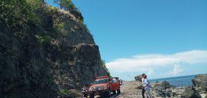 Waspada! Bongkahan Batu Besar di Bibir Bukit, Ancam Nyawa Pelintas Jalan di Magepanda