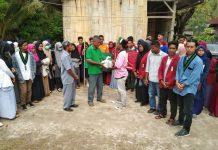 Pengelola MIS Darat Pantai Terharu Terima Bantuan Pembangunan Sekolah