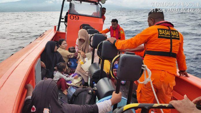 Citrawati Macet di Tengah Laut, 32 Penumpang Selamat