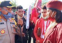 Demo Tolak Lambelu Masuk Maumere, Dibubarkan Polisi