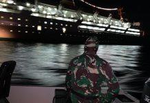 Lambelu Labuh Jangkar 2 Mil dari Pelabuhan Laurens Say