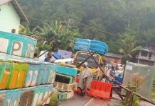 Kades Hikong Tidak Halangi Ambulance Pengangkut Ibu Hamil