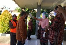 Tiba di Maumere, Dokter Langsung Ukur Suhu Tubuh Wagub NTT