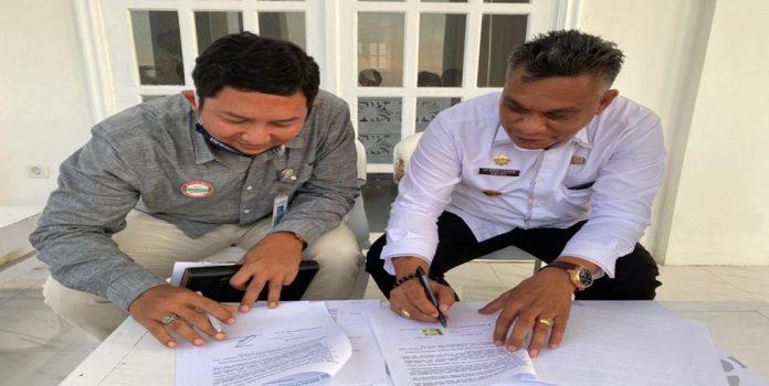 Dukung Penuh JKN-KIS, Pemkab Sikka Teken Perjanjian Kerja Sama