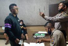 Aniaya Anggota Brimob: 2 Pemuda Diamankan, 1 Warga Serahkan Diri