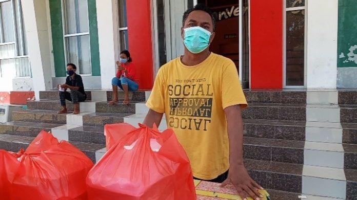 Warga Covid di SCC Protes Tidur di Lantai