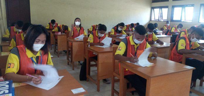 90 Pelajar SMK Negeri 1 Maumere Ikuti Uji Sertifikasi Kompetensi