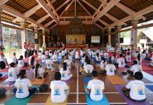 Ribuan Orang di Dunia Kembali Nikmati Yoga Bersama Guruji Anand Krishna