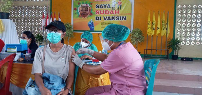 Golkar Sikka Layani 1.000 Vaksin Sinovac Gratis untuk Masyarakat