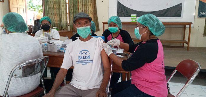 Nikolaus Dindus Senang Ikuti Program Vaksinasi