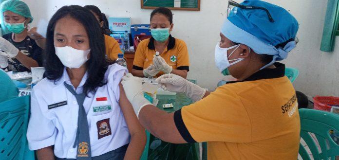 Pelajar di Sikka Mulai Dilayani Vaksin Covid