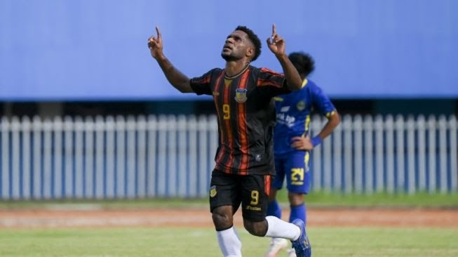 Dendam Papua Tuntas, Bantai Tim Sepak Bola Jawa Barat