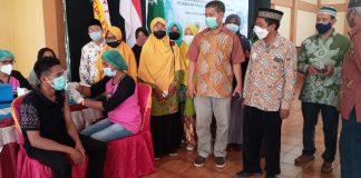 Vaksinasi 1.000 Orang, Muhammadiyah dan STFK Ledalero Tembus Kerentanan Universal