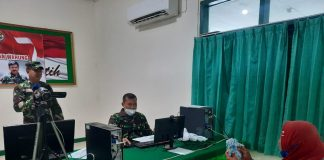 Kodim Sikka Salurkan Bantuan Tunai bagi 1.000 Pedagang Kaki Lima dan Warung